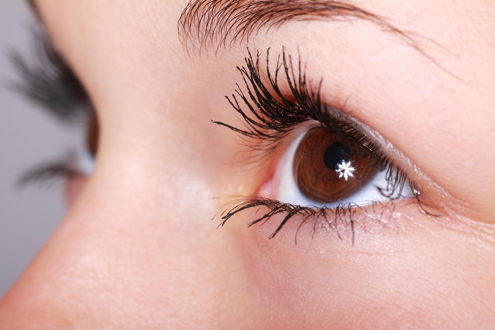 Fordele og ulemper ved extensions til øjenvipperne